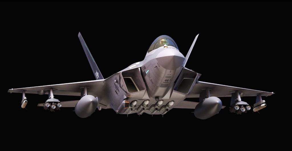 한국형 전투기 마침내 첫선…DJ 개발 천명 이후 20년만