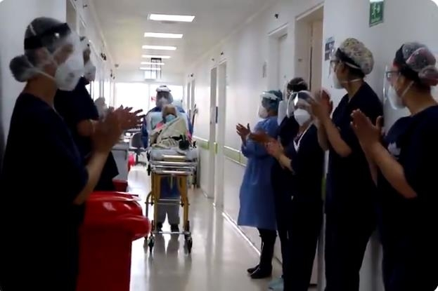 104세 콜롬비아 할머니, 코로나 두번 이겨내…박수받으며 퇴원
