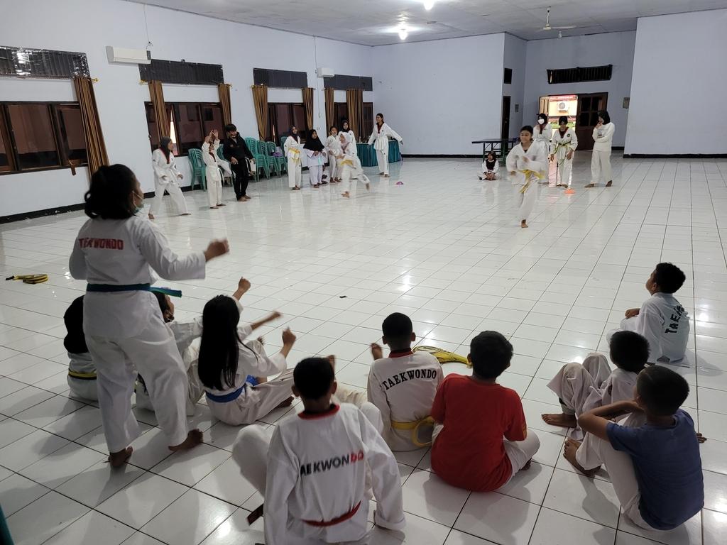 """인도네시아 찌아찌아족, 한글에 태권도 교육까지…""""차렷, 경례"""""""