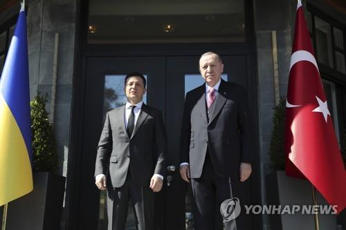 러-우크라 긴장 고조 속 우크라-터키 정상회담…협력 강화 논의(종합)