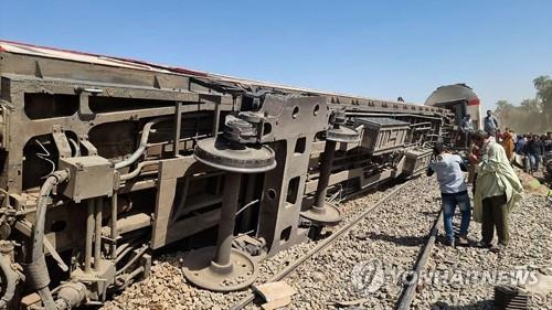 승객 탓이라더니…이집트 열차 참사는 태만이 부른 '인재'