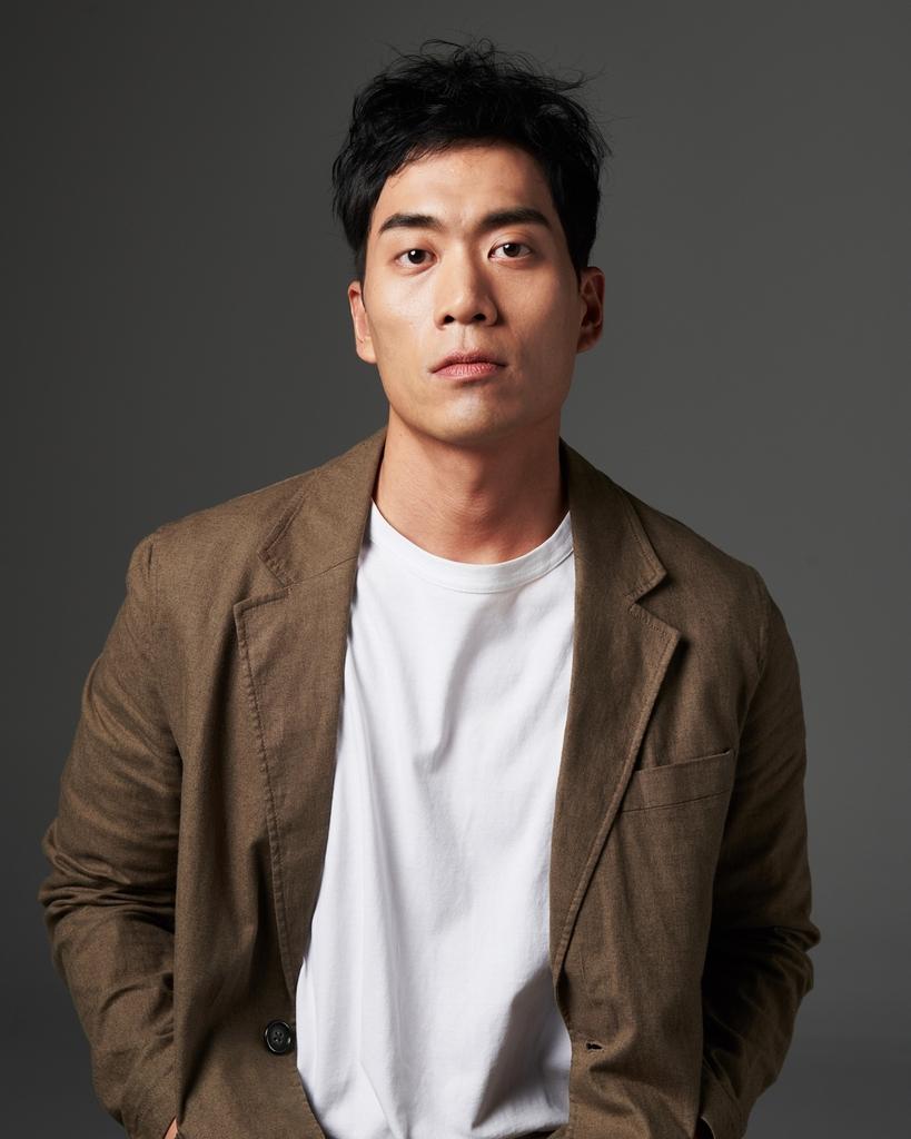 [방송소식] 가수 겸 배우 전효성, 아이오케이컴퍼니와 전속계약