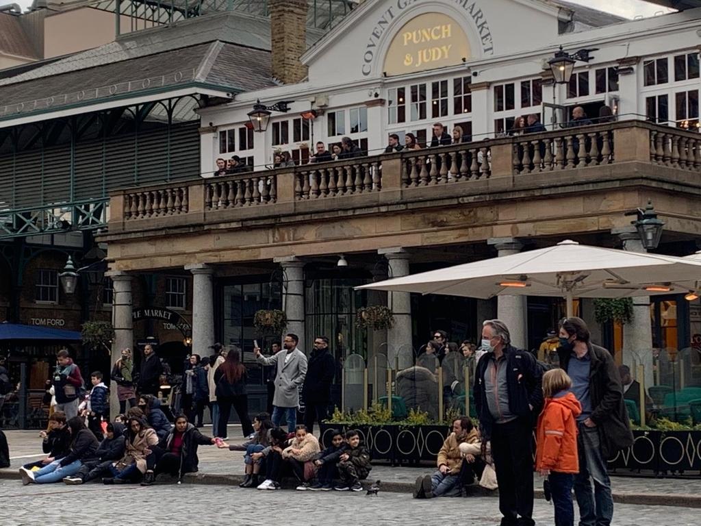[르포] 큰 고비 넘긴 런던…거리공연 흥겹고 식당 야외석 북적