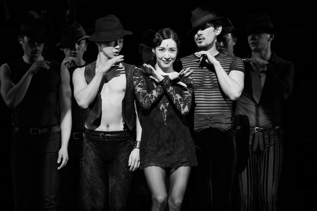 21년간 한결같이 매혹적인 흑백 무대…뮤지컬 '시카고'