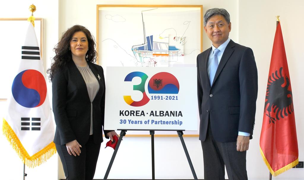 '비빔밥으로 다진 우의'…한국-알바니아 수교 30주년 기념행사
