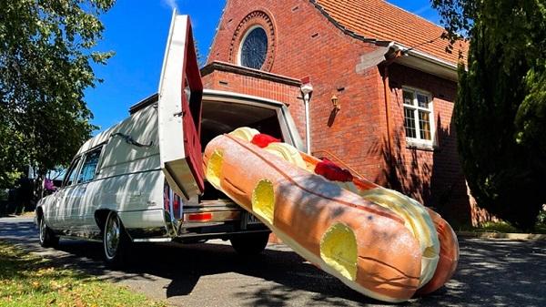 장례용 관도 개성시대…뉴질랜드서 배·크림 도넛형 등 등장