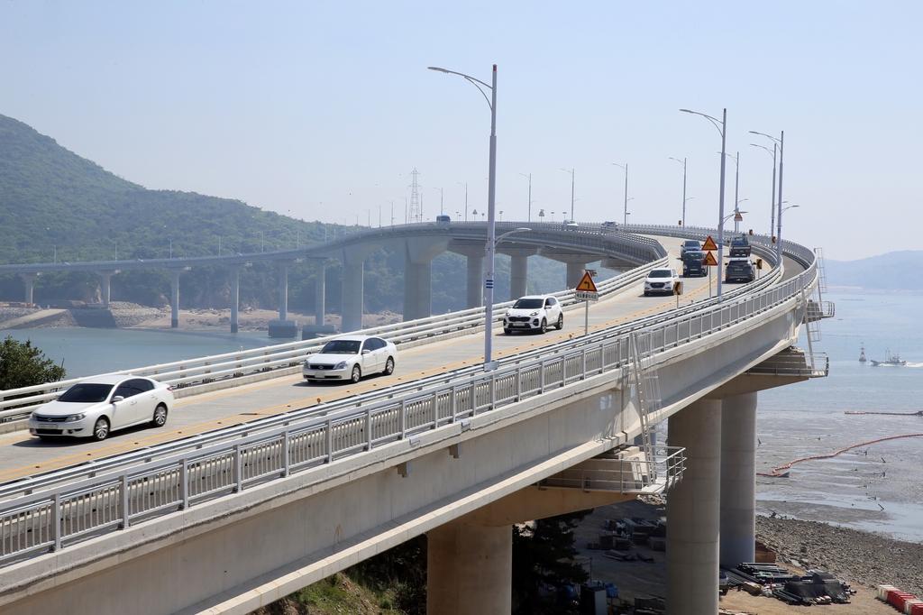 인천 대표 섬 관광지 무의도 교통 혼잡 줄인다