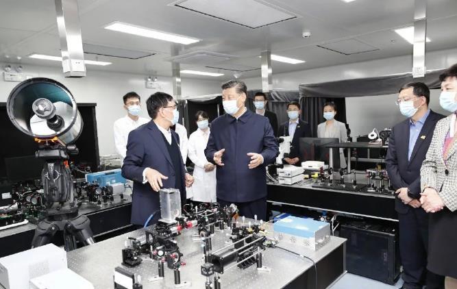 시진핑, 개교 110주년 칭화대 방문…'기술 자립' 의지 표명