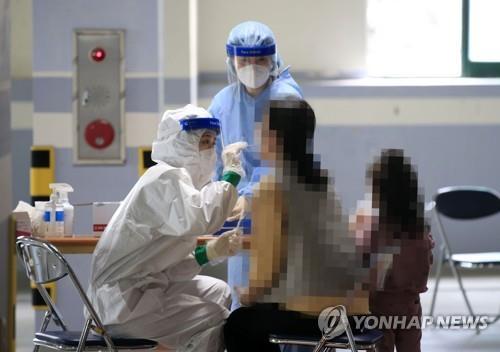충북 13명 확진, 누적 2천492명…진천 어린이집 집단감염(종합)