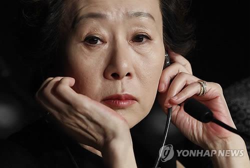 """""""배고파서 연기했는데 극찬""""…솔직하고 재치 있는 '윤여정 어록'"""