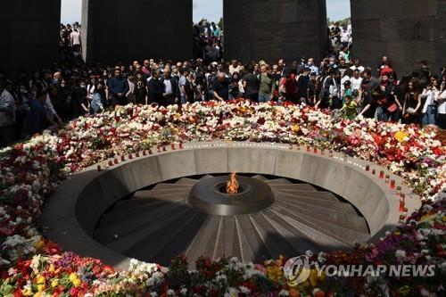 """미-터키 갈등부른 106년전 아르메니아 집단학살…""""150만명 사망"""""""