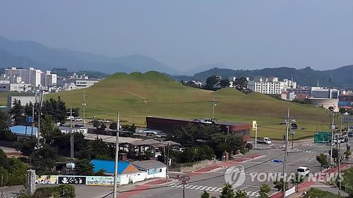 소가야 중심지 경남 고성군, 송학동 고분군 발굴현장 공개
