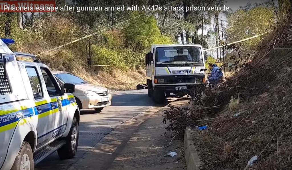 영화처럼 호송차량 습격…남아공 죄수 집단탈출극