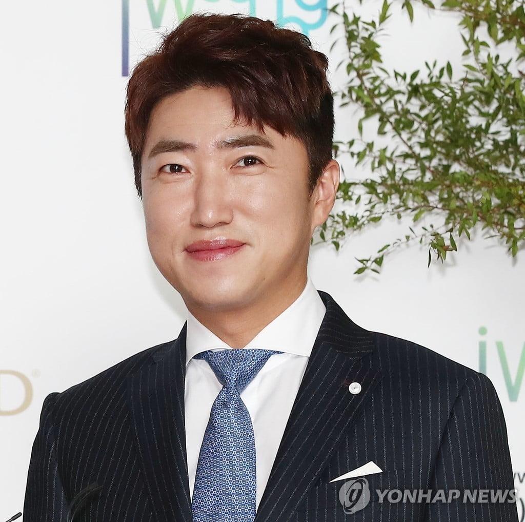 """""""장동민이 도청하고 해킹""""…40대 돌멩이 테러범 실형 구형"""