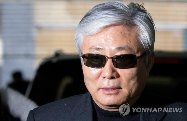 `투자금 횡령` 최순실 이복오빠 최재석, 2심서 법정구속