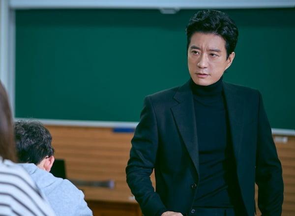 '로스쿨' 김명민./사진제공= JTBC 스튜디오, 스튜디오 피닉스, 공감동하우스