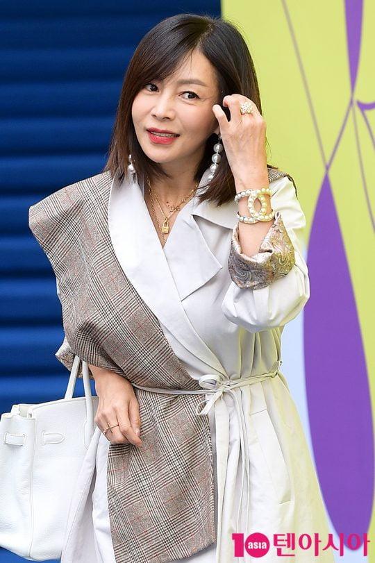 배우 황신혜. /텐아시아DB