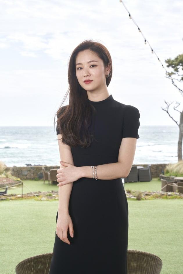 배우 전여빈이 2일 열린 영화 '낙원의 밤' 온라인 제작보고회에 참석했다. / 사진제공=넷플릭스