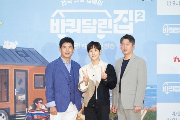 성동일(왼쪽부터), 임시완, 김희원. /사진제공=tvN