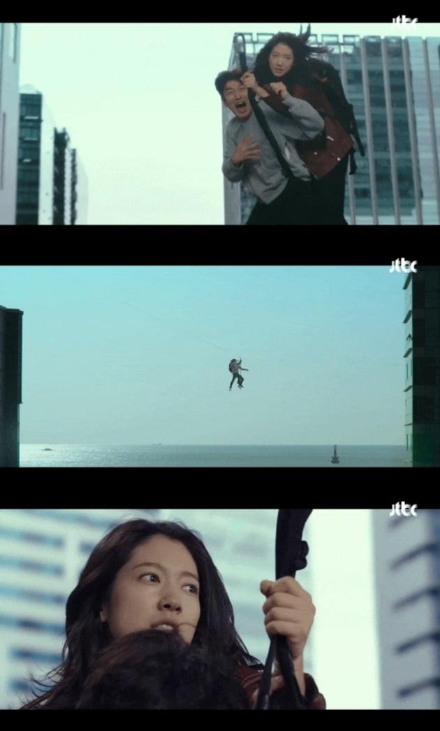 사진=어설픈 CG로 논란이 된 JTBC '시지프스' 3회 방송 화면.