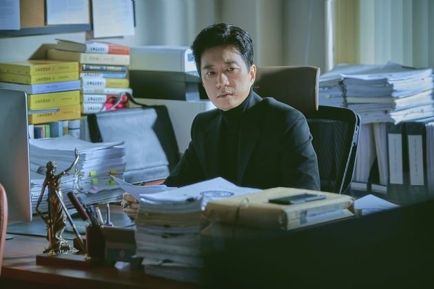 드라마 '로스쿨'의 김명민 / 사진제공=넷플릭스