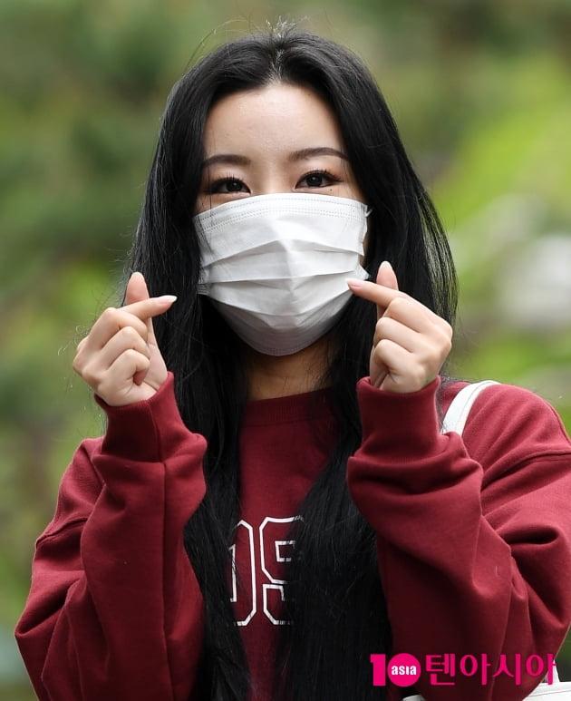 [TEN 포토] 마마무 휘인 '솔로 '레드' 사랑해주세요'