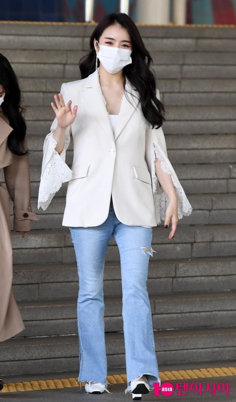[TEN 포토] 설하윤 '청바지+흰티만 입어도 빛나'
