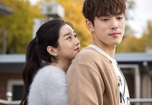 서예지, 김정현 /사진=영화 '기억을 만나다' 스틸