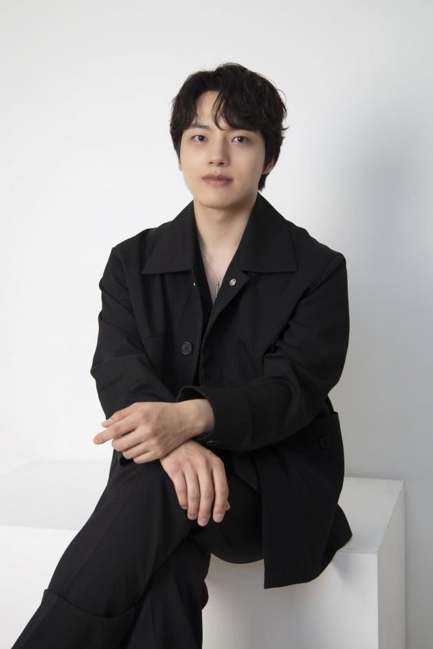 JTBC '괴물'에서 엘리트 형사 한주원 역을 맡아 열연한 배우 여진구./사진제공=제이너스 이엔티