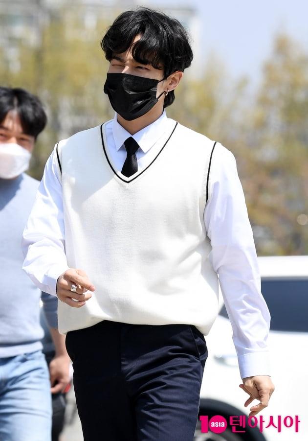 [TEN 포토] 하이라이트 이기광 '패셔니스타 오늘은 교복'
