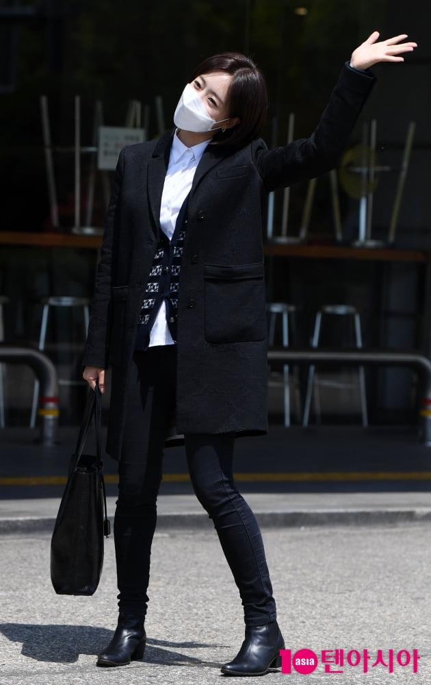 [TEN 포토] 함은정 '봄 햇살도 질투하는 미모'