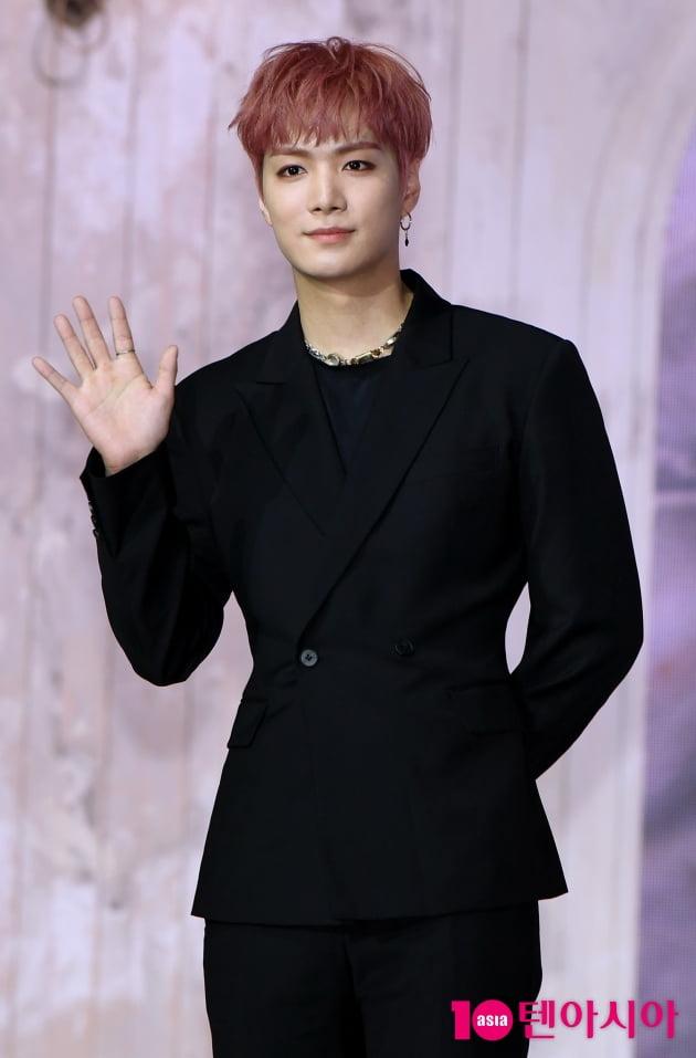[TEN 포토] 뉴이스트 JR '촉촉한 눈빛'