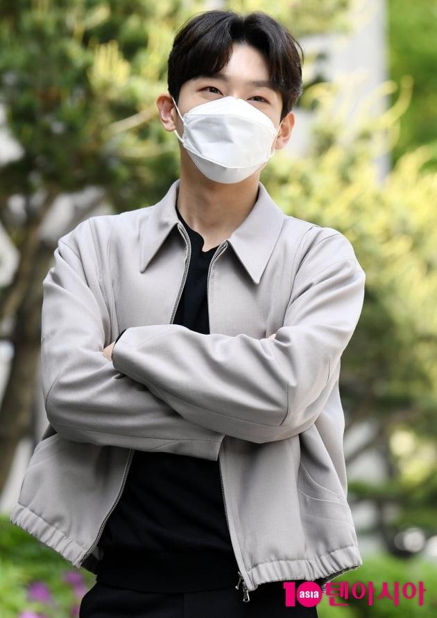 [TEN 포토] 김용빈 '진지한 모습도 멋져'