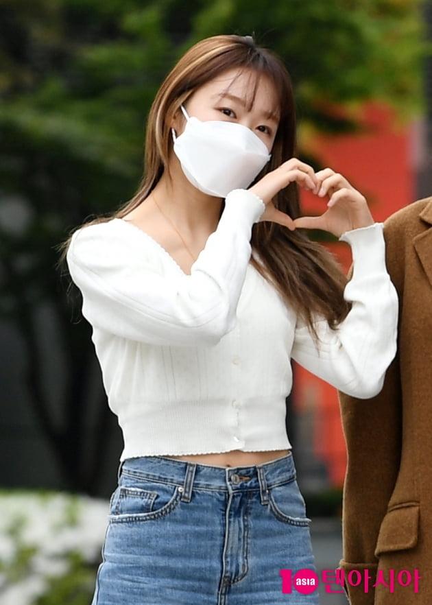 [TEN 포토] 우주소녀 수빈 '하트도 귀엽게'