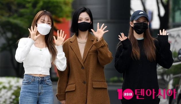 [TEN 포토] 우주소녀 수빈-루다-여름 '즐거운 퇴근길'