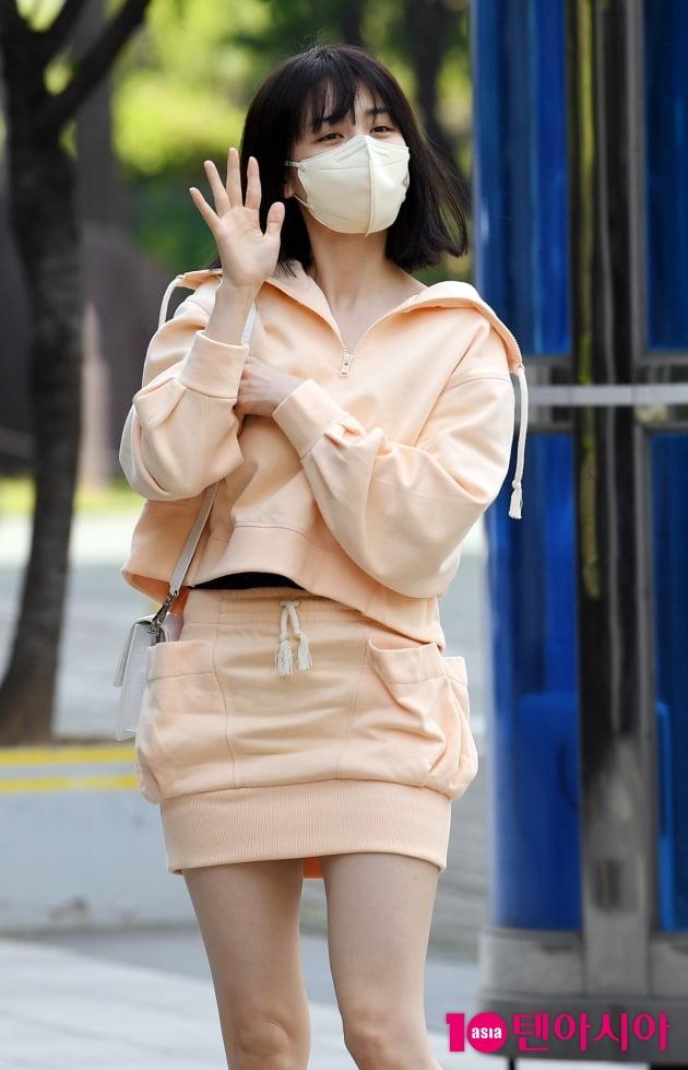 [TEN 포토] 박하선 '봄 트레이닝복 스타일링'