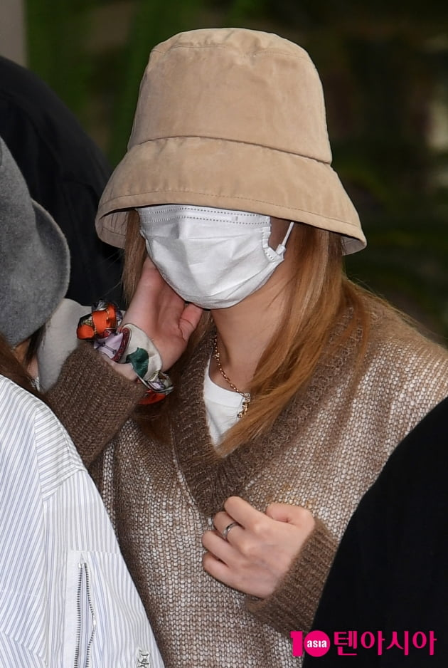 [TEN 포토] 트와이스 사나 '미모만큼 이쁜 헤어밴드'
