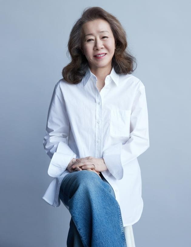 배우 윤여정./ 사지제공=후크 엔터