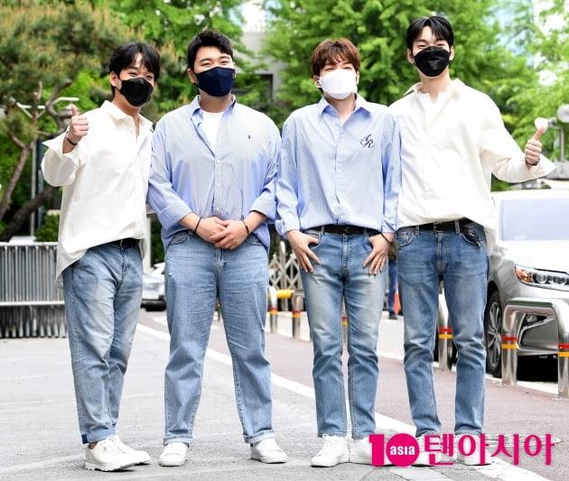 [TEN 포토] 미라클라스 '많은 취재진에 당황'