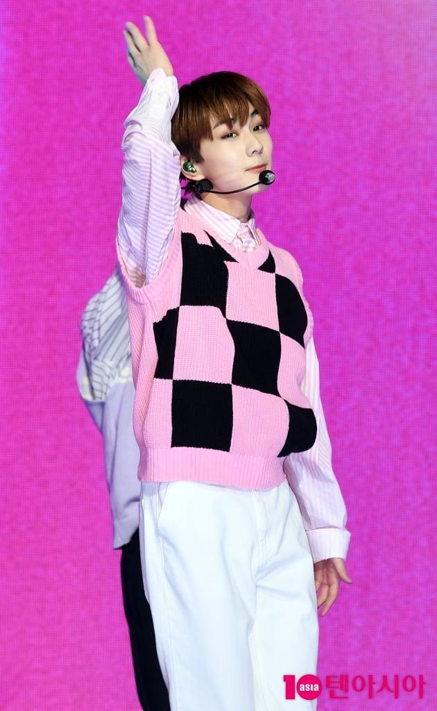 [TEN 포토] 엔하이픈 정원 '핑크빛 미소'