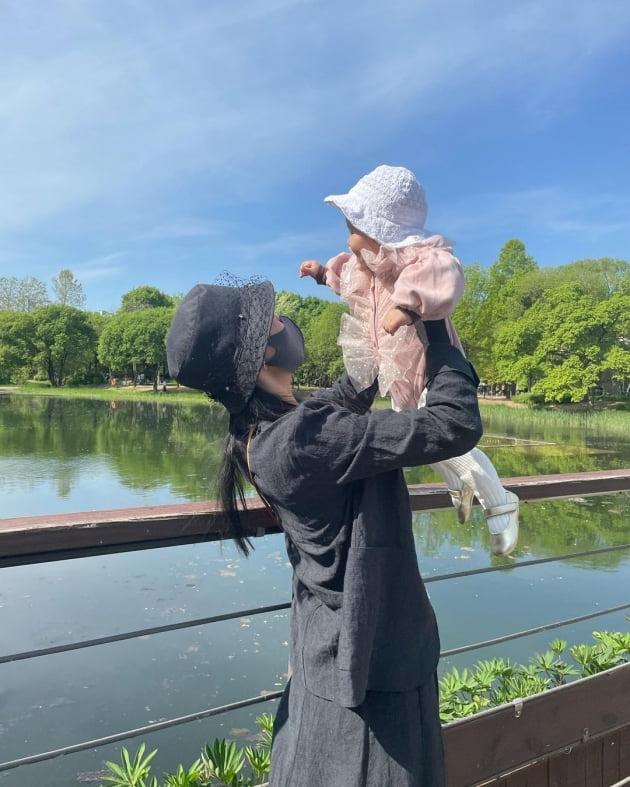 서효림, ♥정명호·딸 조이와 나들이…이 정도면 결혼 장려 쓰리샷 [TEN★]