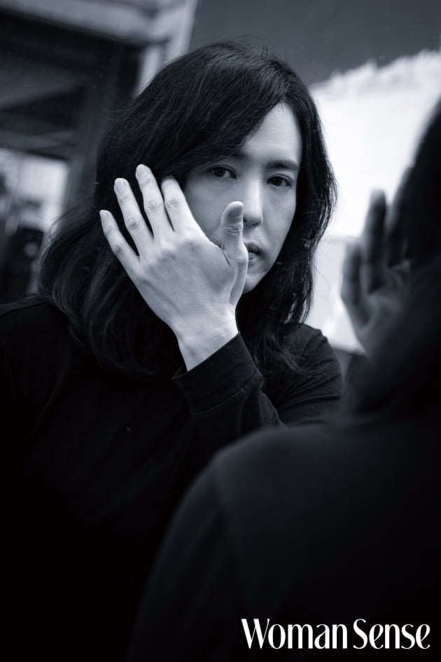 가수 양준일 /사진 = 우먼센스