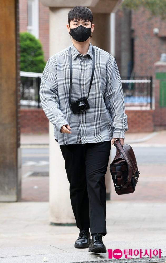 [TEN 포토] 라포엠 유채훈 '오늘은 사진작가'