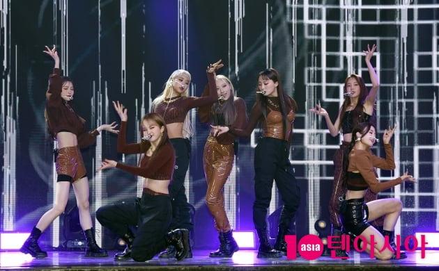 홍승성 걸그룹' 핫이슈, 음원 1위 꿈꾸는 스나이퍼 '그라타타' 핫데뷔 [종합]