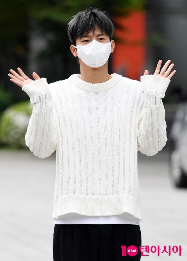 [TEN 포토] 서인국 '오랜만에 인사드려요'