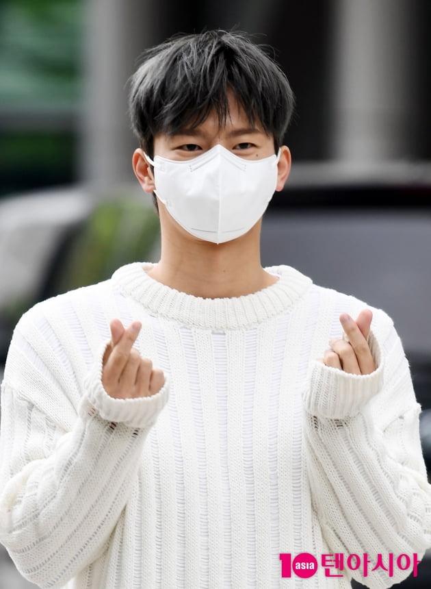 [TEN 포토] 서인국 '달콤한 하트'