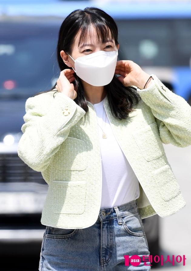 [TEN 포토] 천우희 '태양아래 반사되는 예쁨'