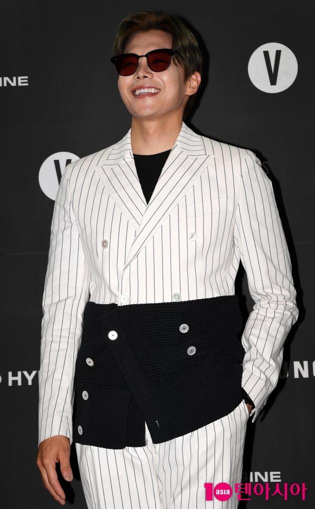 [TEN 포토] 박은석 '호탕한 웃음'