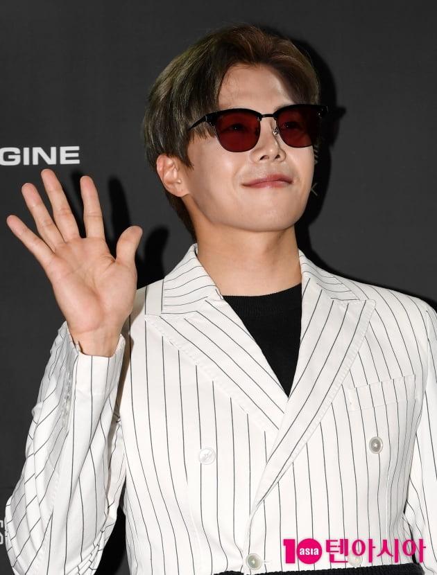 [TEN 포토] 박은석 '손바닥 보다 작은얼굴'