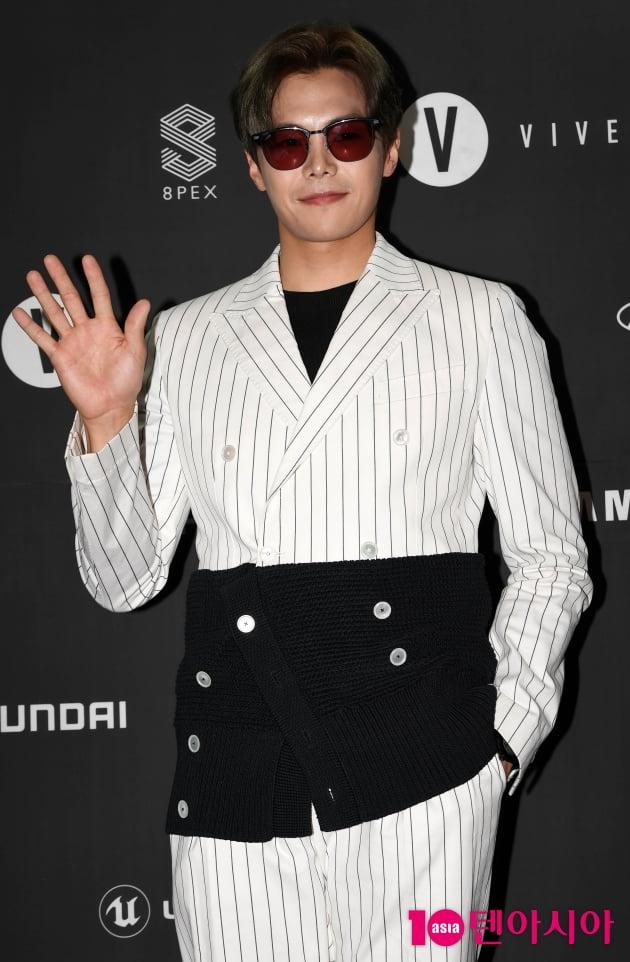 [TEN 포토] 박은석 '가질 수 없는 남친의 비주얼'